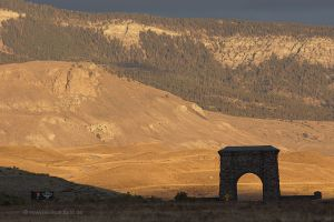 Yellowstone-Montana-Roosevelt-Arch